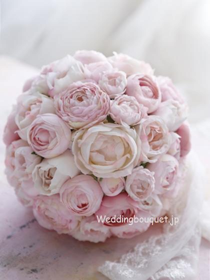 ピンクの丸いお花ラウンドブーケ