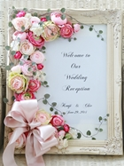 重なる花びらピンクラナンキュラスのウェルカムボード
