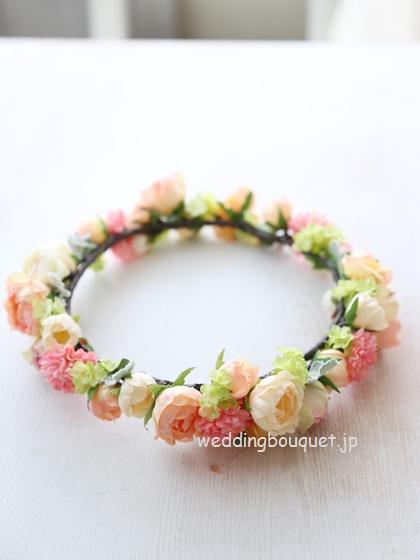 花冠  かわいいピンクマムと淡いオレンジ