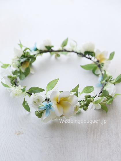花冠  ホワイトバラとプルメリアのアクセントライン