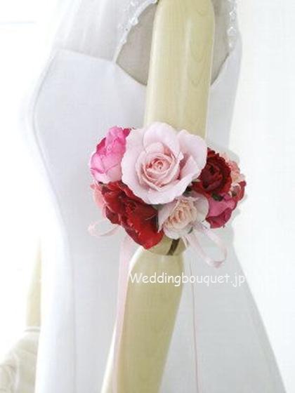 ピンクのバラのアームレット