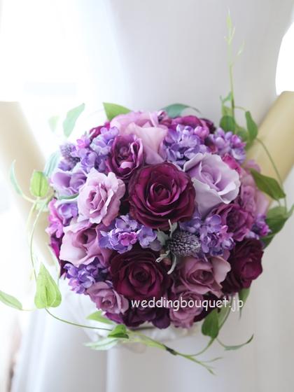 紫バラのラウンドブーケ(クラッチタイプ)