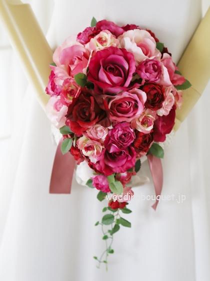 ローズピンクバラのティアドロップブーケ