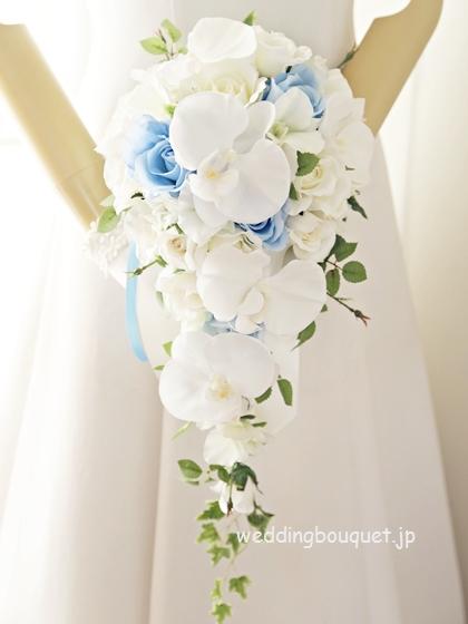 こちょうらんのキャスケードブーケ、ブルーのバラ