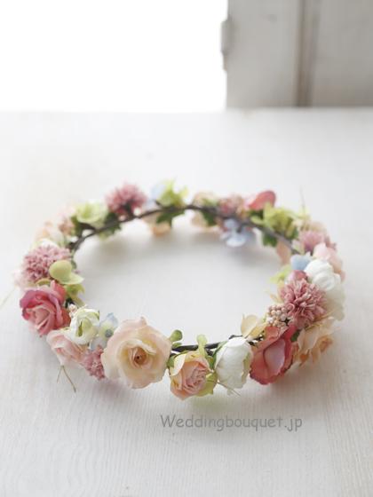 花冠  モーヴピンクバラと淡いオレンジの色合い
